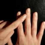 बस 1 मिनट हाथ की ऊँगलियों को रगड़ने से शरीर का दर्द गायब हो जाता है।