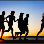 रोजाना स्वस्थ रहने के लिए कम से कम 45 मिनट पैदल चलें